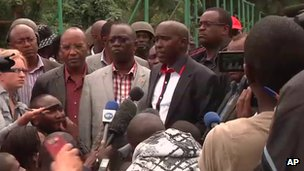 Kenyan Interior Minister Joe Lenku speaks to media in Nairobi, 22 September 2013.