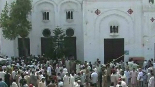 Pakistan church blast kills dozens