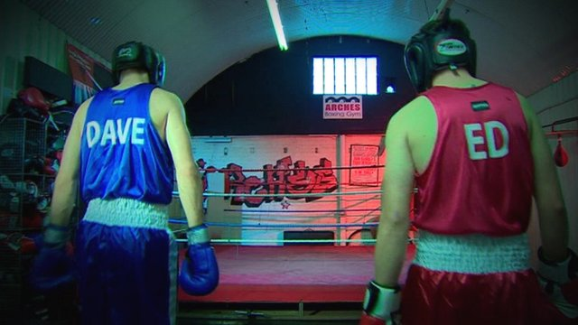 Boxers wearing shirts saying 'Dave' and 'Ed'