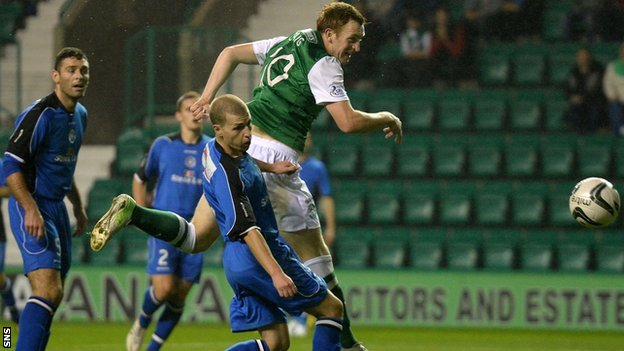 Liam Craig scores for Hibernian against Stranraer