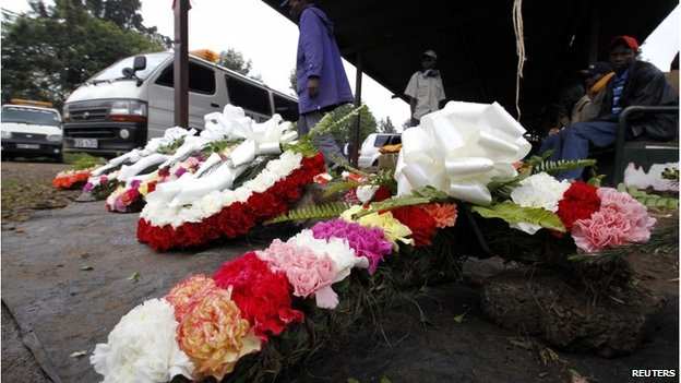 Traders sell wreaths outside Nairobi's City Mortuary, 25 September 2013