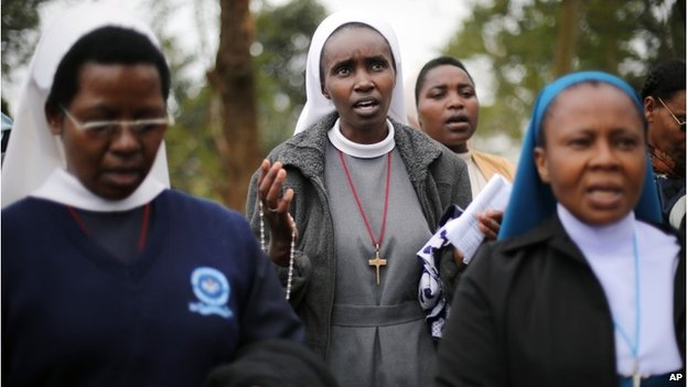 Nuns pray in Nairobi, 25 September 2013