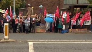 Protest against Exploris closure