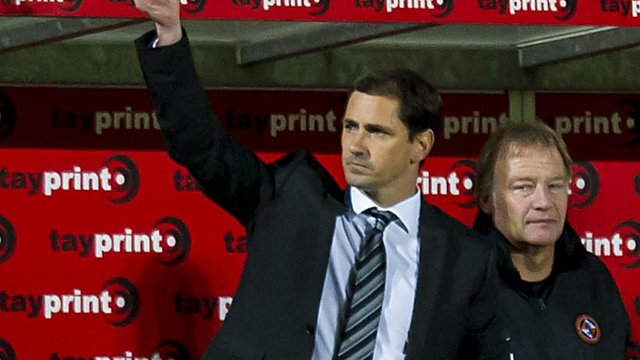 Dundee United manager Jackie McNamara (left)