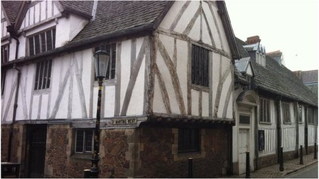 Leicester's guildhall