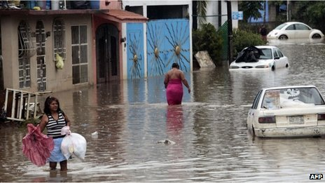 Flooded street in Acapulco (26 September)