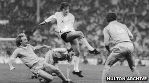 Glenn Hoddle in action for Tottenham Hotspur in the 1981 FA Cup final