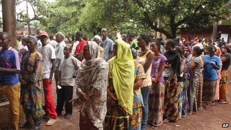 Voters at a ballot station in Conakry, 28 Sept 2013