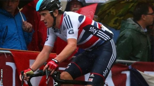 Geraint Thomas riding in the road race at the World Championships