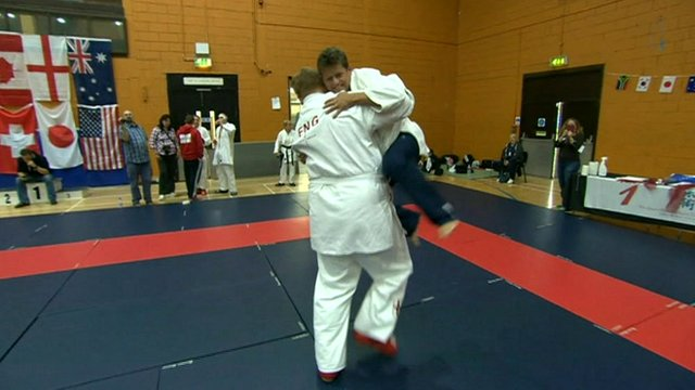 Mike Bushell tries Ju-Jitsu