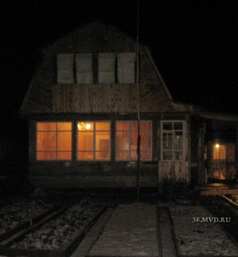 The dacha attached by the bear