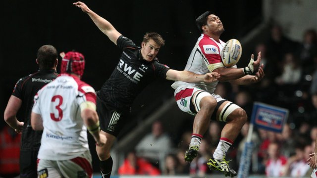 Match action from Ospreys against Ulster in the Pro12