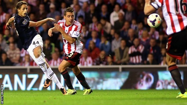 Adnan Januzaj scoring against Sunderland