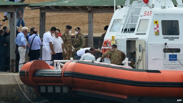 Coast guards prepare to recover bodies, 6 October