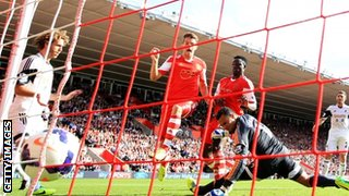 Jay Rodriguez scoring for Southampton