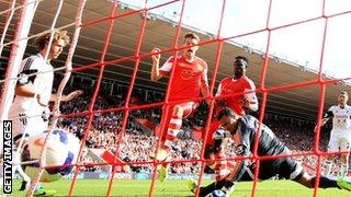 Jay Rodriguez scoring for Southampton