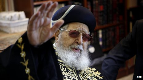 Rabbi Ovadia Yosef (11 Dec 2011)