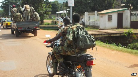 Seleka rebels integrated into the Central African army patrol Bangui, on September 11, 2013