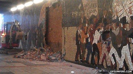 Chartist mural destroyed in newport soviet u for Chartist mural newport
