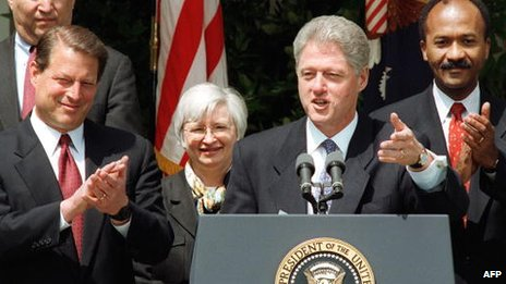 Janet Yellen stands behind Bill Clinton in 1997