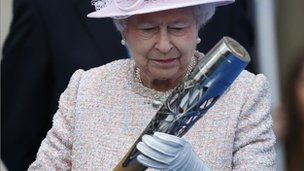 The Queen and Commonwealth baton