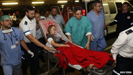 Noam Glick is taken to hospital in Jerusalem (5 October 2013)