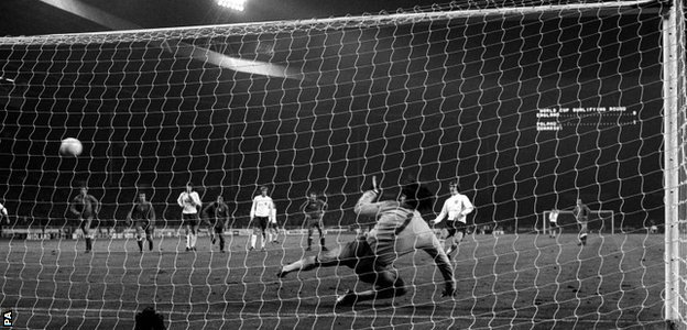 Allan Clarke sent Tomaszewski the wrong way to score England's equaliser from the penalty spot
