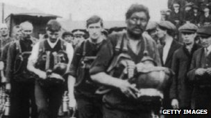 Rescue workers in Senghenydd in 193
