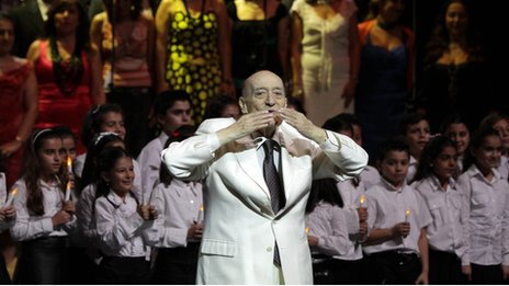 A picture taken on 27 October 2010 shows Lebanese singer Wadih al-Safi acknowledging the audience during a concert at the Opera House in the Syrian capital, Damascus.