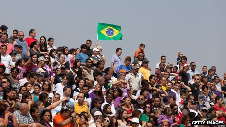 People watch the independence day parade in Sao Paulo on 7 September 2013