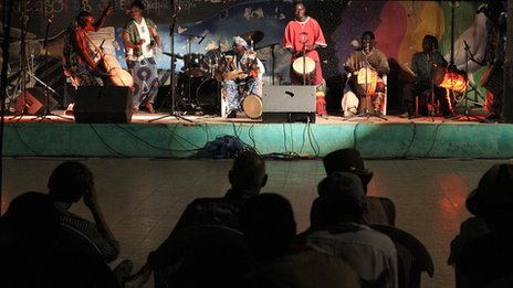 Malian artists performing at Bamako's Maison des Jeunes