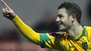Jamie Cureton playing for Norwich
