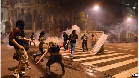 Protesters in Rio de Janeiro (15 October 2013)