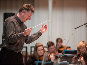 Stephen Bell, conductor Scottish Symphony Orchestra
