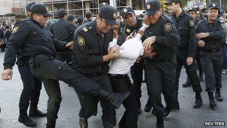 Opposition activist arrested in Baku, 12 Oct 13