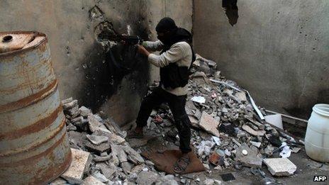 Rebel fighter in Deir al-Zour (15 October 2013)