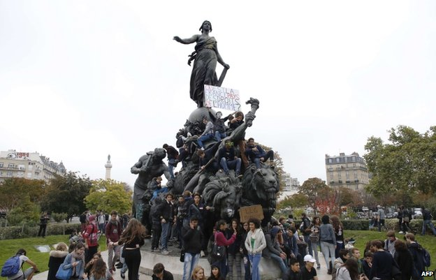 Students protest in Paris, 18 October