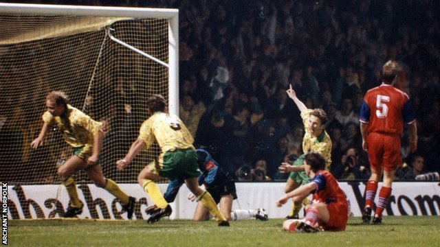 Jeremy Goss scores in the second leg against Bayern Munich