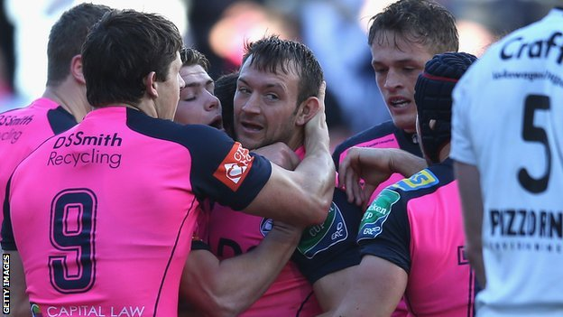 Gareth Davies is congratulated by his team-mates