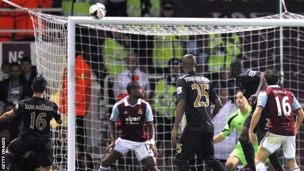 Sergio Aguero scores Manchester City's second goal
