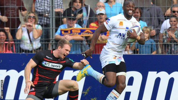 Wandile Mjekevu scores a try for Perpignan against Edinburgh