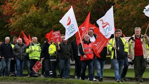 Workers at Grangemouth rally