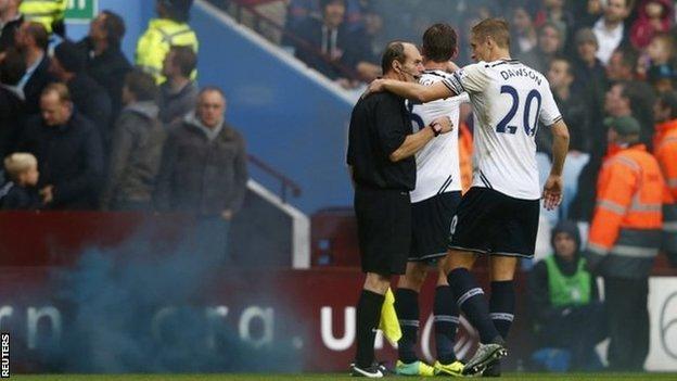 Aston Villa Away _70600017_70598893