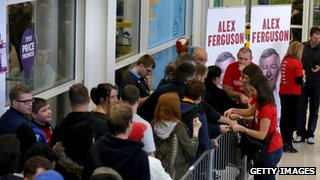 Queues to get a signed copy of Sir Alex Ferguson's new book