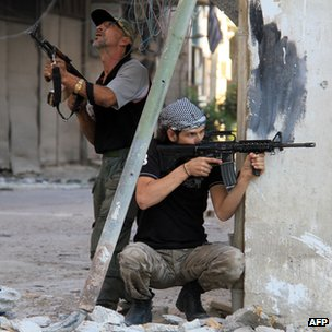 Rebel fighters in Damascus Yalda suburb, 18 Sep 13