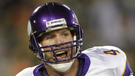 Minnesota Vikings quarterback Brett Favre, seen in his football uniform on 1 November 2009