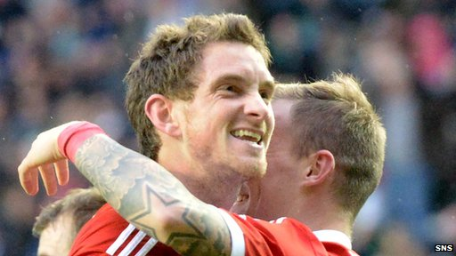 Scott Vernon was on target for Aberdeen at Easter Road