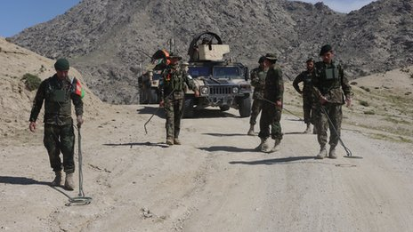 Afghan troops in the mountainous district of Chapa Dara