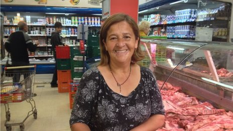 Argentine housewife Norma in a Buenos Aires supermarket