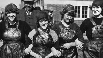 A group of Scottish herring girls
